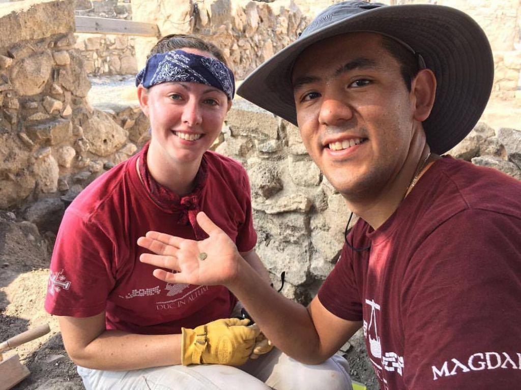 L'une des 2 400 pièces anciennes trouvées à Magdala (Crédit : Autorisation)
