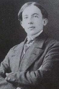 Paul Éluard vers 1911 (Crédit : domaine public)