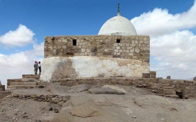 Le Tombeau d'Aaron, près de Petra, en Jordanie. (Crédit : CC BY-SA 3.0, Wikipedia)