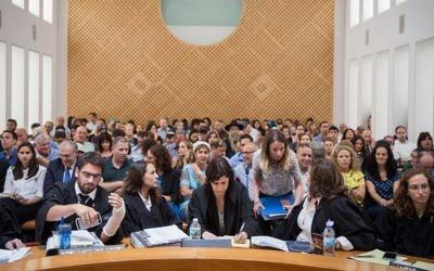 Audience sur la crise de l'hôpital Hadassah devant la Haute cour de Justice, à Jérusalem, le 4 juillet 2017. (Crédit : Hadas Parush/Flash90)