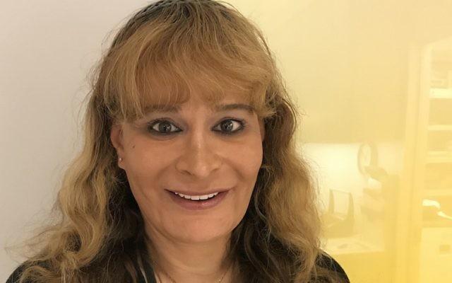 C'est Gretchen Rachel Hammond qui a la toute première rapporté que trois femmes juives qui portaient des drapeaux aux couleurs de l'arc en ciel arborant une étoile juive avaient été expulsées de la marche Dyke le 24 juin 2017 (Autorisation de Hammond)