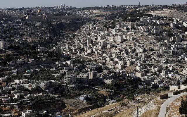 Vue générale de Jérusalem Est, près de la Vieille Ville, le 31 mai 2017. Illustration. (Crédit : Ahmad Gharabli/AFP)
