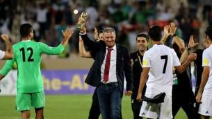 Carlos Queiroz, l'entraîneur portugais de la sélection iranienne de football, à Téhéran, le 12 juin 2017. (Crédit : Atta Kenare/AFP)