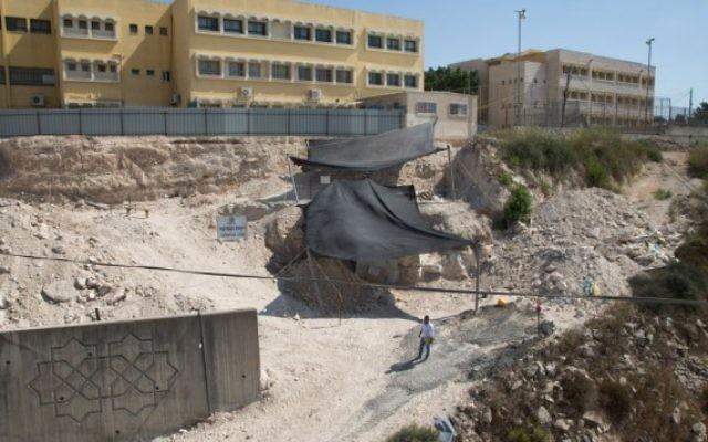 Vue générale de la fouille de Reina, en Basse Galilée. (Crédit : Samuel Magal / IAA)