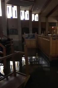 Les inondations suite à tempête tropicale Harvey qui ont ravagé les synagogues orthodoxes à Houston (Crédit : Autorisation UOS)