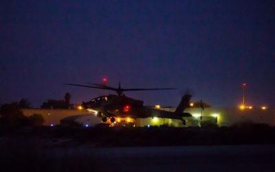 Un hélicoptère Apache de l'armée israélienne. Illustration. (Crédit : Mor Tzidon/armée de l'air israélienne/Flickr)