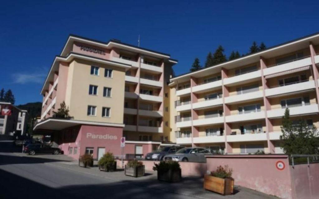 L'hôtel Aparthaus Paradise d'Arosa, en Suisse. (Crédit : autorisation)