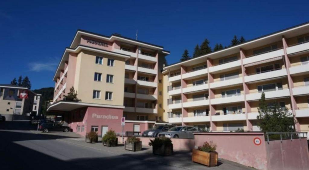 L'hôtel Aparthaus Paradies d'Arosa, en Suisse. (Crédit : autorisation)