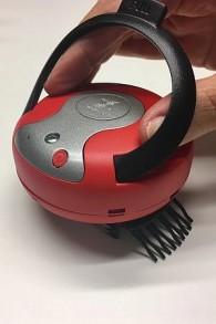 Un prototype du dispositif médical de ParaSonic qui élimine les poux et les lentes avec des ondes ultrasoniques (Crédit : Autorisation)
