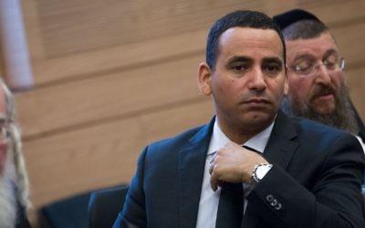 Le député Yoel Hasson (Union sioniste) s'adresse à la Knesset israélienne, dossier (Miriam Alster / FLASH90)