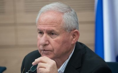 Avi Dichter, député du Likud et président de la commission des Affaires étrangères et de la Défense de la Knesset, le 11 juillet 2017. (Crédit : Yonatan Sindel/Flash90)