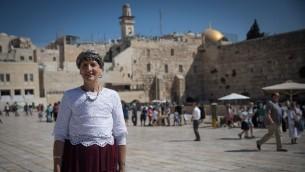 La députée Shuli Moalem-Refaeli sur l'esplanade du mur Occidental après avoir visité le mont du Temple, dans la Vieille Ville de Jérusalem, le 29 août 2017. (Crédit : Hadas Parush/Flash90)