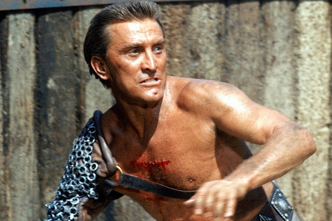 Kirk Douglas est Spartacus dans le film de Stanley Kubrick du même nom (Capture d'écran)