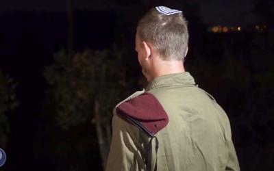 Le sergent A., qui a tiré et blessé un terroriste qui a tué trois Israéliens dans l'implantation de Halamish, le 21 juillet (Crédit Unité des porte-paroles de l'armée israélienne)