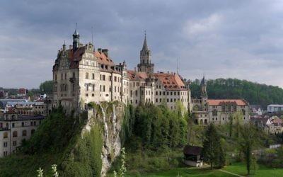 Le chateau de Sigmaringen où furent confinés les membres du gouvernement de Vichy par Adolf Hitler (Crédit: Berthold Werner/Wikimedia commons)