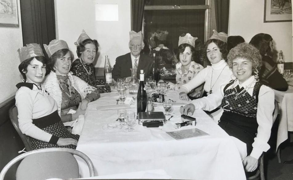 Une fête de nouvelle année entre Frank/Schloss avec toute la famille, en Suisse, en 1973. (Autorisation)