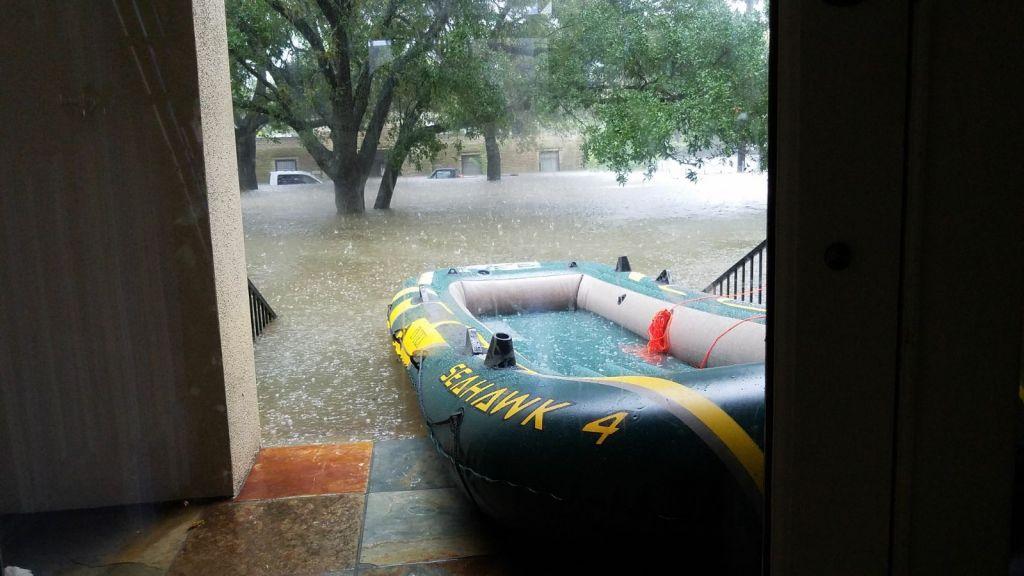 Le canot de sauvetage grâce auquel l'émissaire du mouvement Bnai Akiva Rafi Engelhart a aidé à secourir des habitants de Houston coincés par la tempête tropicale Harvey, le 27 août (Autorisation)