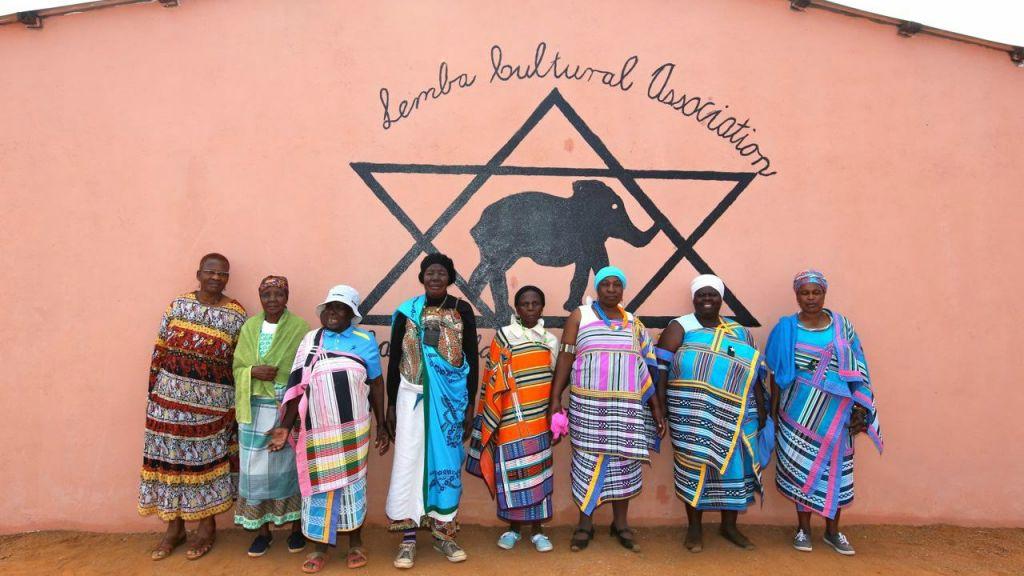 Les femmes de la communauté Lemba à Manavhela, dans la province sud-africaine de Limpopo en août 2015 (Autorisation : Jono David)
