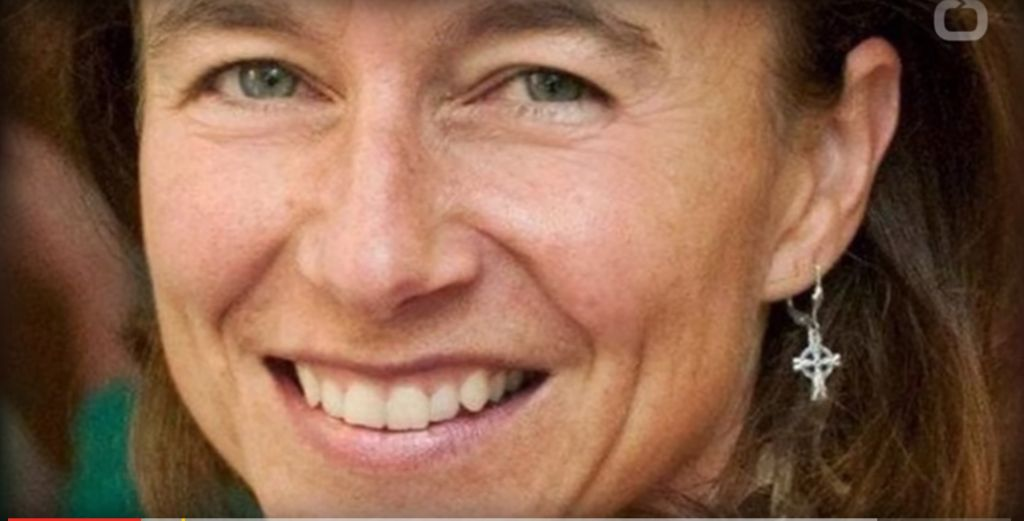 Teresa Manning (Crédit : capture d'écran/YouTube)