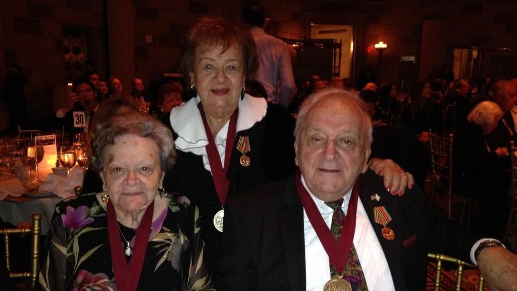 Bella Goldfischer Wagner, Ann Monka et Michael Stoll, frères et soeurs, ont survécu à la Shoah avec leurs parents et un cousin au sein de l'Otriad Bielski. Illustration. (Crédit : Renee Ghert-Zand)