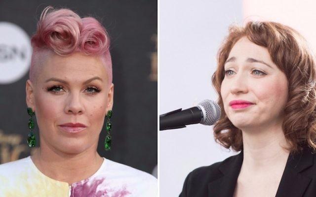 Les chanteuses Pink, à gauche, en 2016, et Regina Spektor, en janvier 2017. (Crédit : Getty Images)