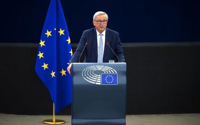 Jean-Claude Juncker, président de la Commission européenne, pendant son discours sur l'état de l'Union devant le Parlement européen à Strasbourg, le 13 septembre 2017. (Crédit : Patrick Hertzog/AFP)
