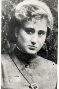 Elena Rzhevskaya en 1943. (Crédit : Liubov Summ)