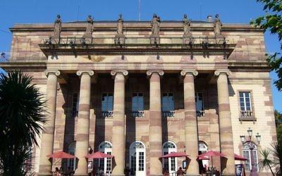 Façade de l'Opéra national du Rhin, place Broglie à Strasbourg. Illustration. (Crédit : Jonathan M/CC BY-SA 3.0/WikiCommons)