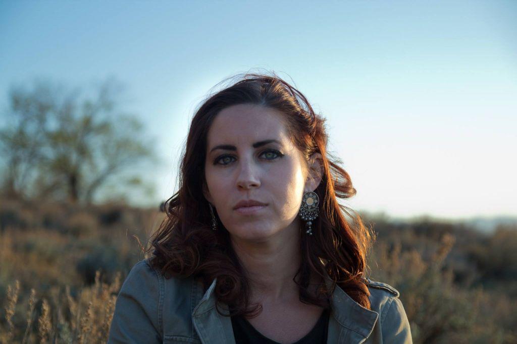 """Erika Cohn, réalisatrice de """"La juge"""", qui raconte l'histoire de Kholoud al-Faqih, Palestinienne devenue la première femme juge de la charia au Moyen Orient. Photographie non datée. (Crédit : Facebook)"""