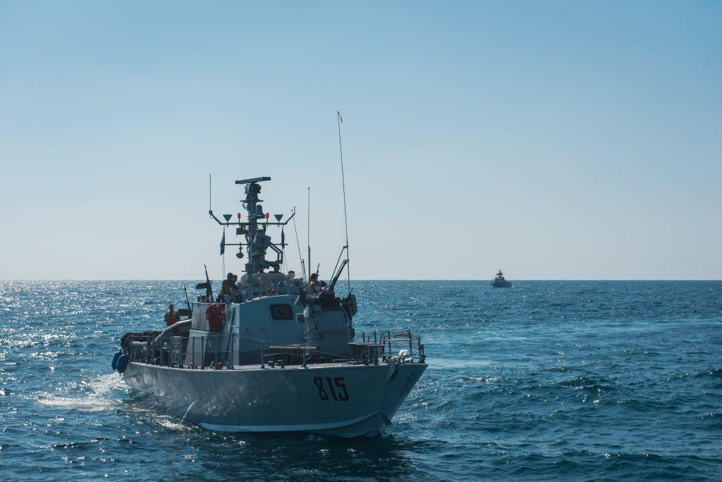 Des navires israéliens participent à un exercice dans le nord d'Israël, simulant une guerre contre le groupe terroriste du Hezbollah, au mois de septembre 2017. (Crédit : armée israélienne)