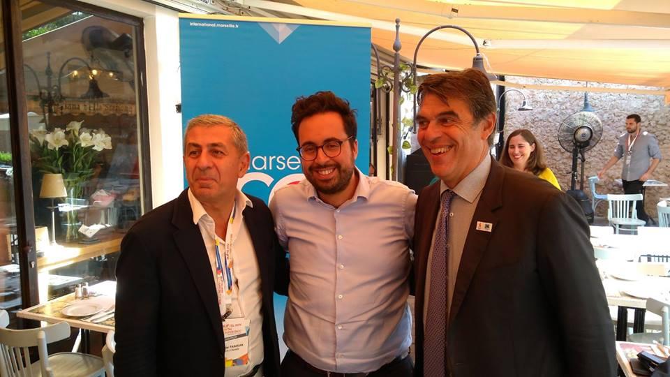 Didier Parakian, Mounir Mahjoudi, secrétaire d'Etat au Numérique et Daniel Sperling, adjoint au maire de Marseille au Festival DLD de Tel Aviv, en septembre 2017. (Crédit : Facebook)