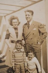Une famille sauvée par Hubert Butler, après sa réinstallation en Argentine (Autorisation)