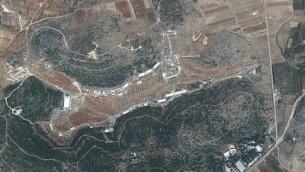 Capture d'écran d'un satellite d'une zone située à proximité de Masyaf, dans la province syrienne de Hama, où le centre syrien de recherche et d'études scientifiques maintiendrait une structure d'armes chimiques (Capture d'écran : Google maps)