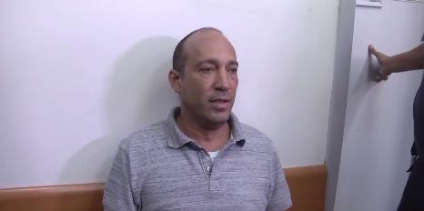 Rami Taib, conseiller politique du ministre de l'Energie Yuval Steinitz, devant la cour des magistrats de Rishon Lezion, le 4 septembre 2017. (Crédit : capture d'écran Ynet)
