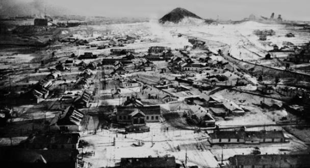Le camp de concentration industriel de Vorkuta, à 160 kilomètres du Cercle arctique. (Crédit : Auteur inconnu/CC BY-SA 3.0/WikiCommons)