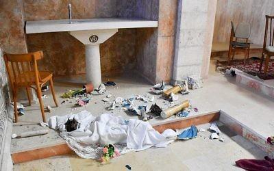 Le sanctuaire vandalisé du monastère de  Beit Jamal le 22 septembre 2017 (Crédit : Patriarcat latin de Jérusalem)