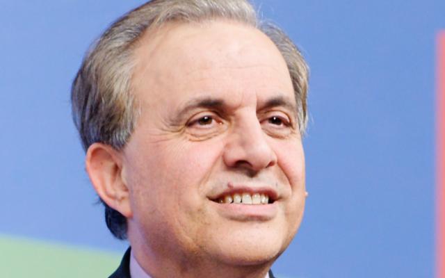 Le sénateur LR Roger Kartouchi proposait en 2012 de s'inspirer du modèle israélien pour intégrer les immigrants en France (Crédit: Wikimedia Commons Marie-Lan Nguyen)