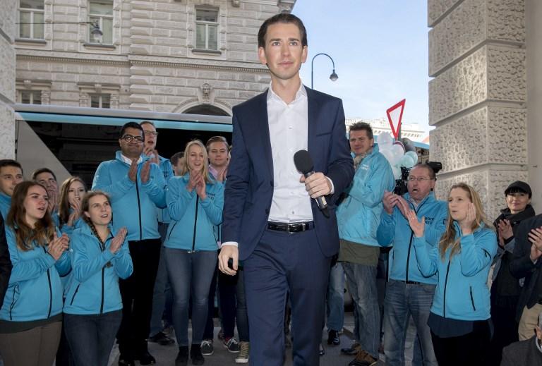 Sebastian Kurz, ministre autrichien des Affaires étrangères et président du Parti du Peuple (ÖVP),à Vienne, le 13 octobre 2017. (Crédit : Joe Klamar/AFP)