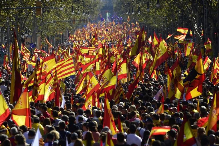 Manifestation contre l'indépendance de la Catalogne à Barcelone, le 29 octobre 2017. (Crédit : Pierre-Philippe Marcou/AFP)