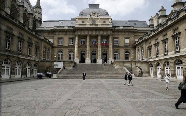 Palais de justice de Paris, à Paris France (Crédit : GNU Free Documentation License/Creative Commons Attribution-Share Alike 3.0 Unported)
