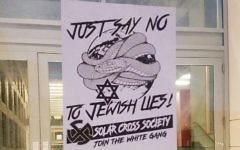 Tracts antisémites découverts sur le campus de Cornell à Ithaca, dans l'état de New York, le 23 octobre 2017. (Crédit : autorisation du Cornell Daily Sun via JTA)