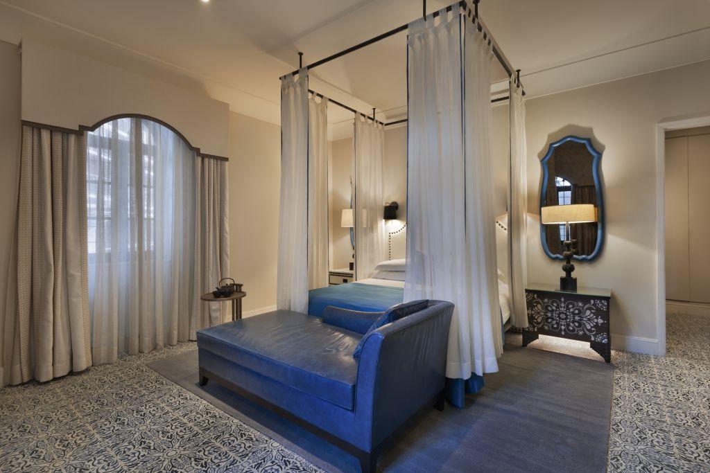 Les chambres historiques du nouvel hôtel d'Isrotel, l'Orient, à Jérusalem. (Crédit : Assaf Pinchuk)