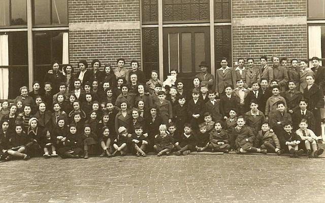 Des enfants sauvés par Truus Wijsmuller à Bergen aan Zee, en Hollande, en 1939 (Autorisation : Arthur Adler)
