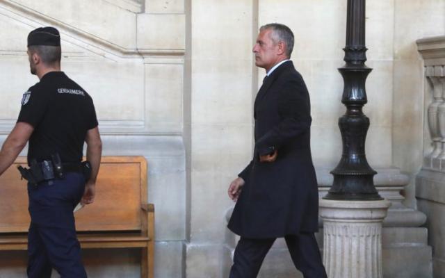 Amaury de Hauteclocque au procès du frère de Mohamed Merah, le 6 octobre 2017 (Crédit : AFP/JACQUES DEMARTHON)