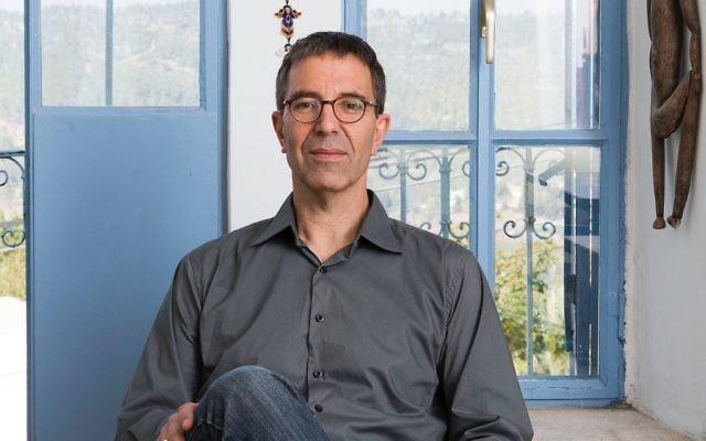 Ido Bruno, professeur de design à Bezalel, a été nommé pour succéder à James Snyder en tant que directeur du musée d'Israël (Crédit : Autorisation Eli Pozner)