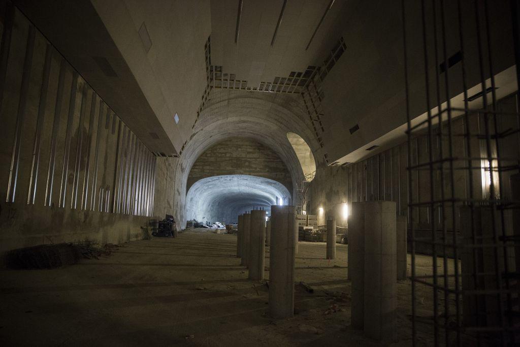 Constructions à la gare de Jérusalem sur la ligne à grande vitesse reliant Jérusalem à Tel Aviv, en décembre 2015 (Crédit : Hadas Parush/Flash90)