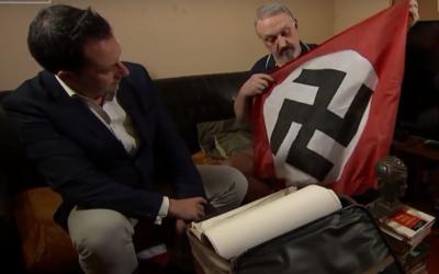 Kevin Wilshaw, à droite, pendant un entretien sur la chaîne britannique Channel 4, diffusé le 17 octobre 2017. (Crédit : capture d'écran YouTube)