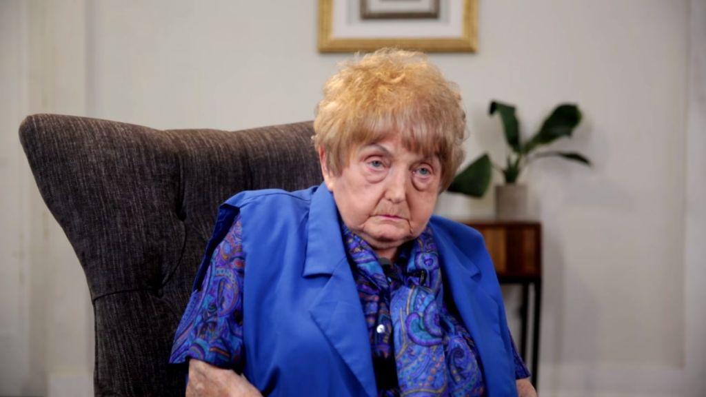 Eva Mozes Kor, survivante de la Shoah, qui a trouvé la force de pardonner à Josef Mengele, en septembre 2017. (Crédit : capture d'écran YouTube/Buzzfeed)