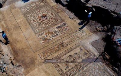 La célèbre mosaïque de Lod (Crédit : Niki Davidov, Autorité des Antiquités d'Israël)