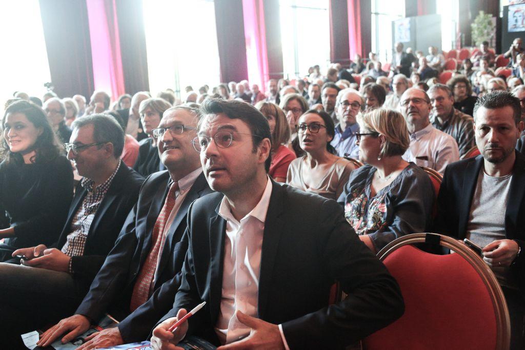 Mario Stasi, nouveau président de la LICRA, parmi les adhérents assistant aux débats des Universités d'Automne, au Havre, en octobre 2017. (Crédit : autorisation Le Droit de Vivre - LICRA)